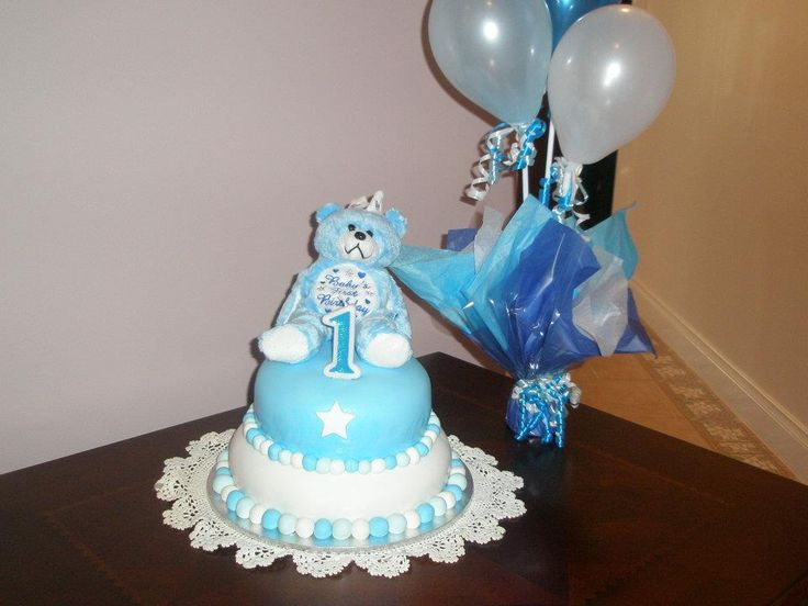 Lucas' 1st Birthday cake- blue and white theme- image only