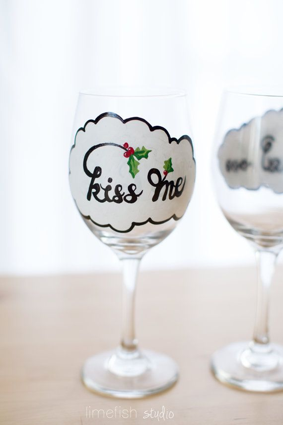 26 best images about wine glass painting on pinterest for Christmas painted wine glasses pinterest