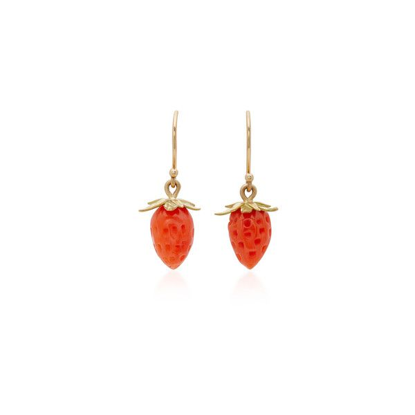 Annette Ferdinandsen 18K Gold Red Coral Strawberry Earrings ($630) ❤ liked on Polyvore featuring jewelry, earrings, leaves earrings, red coral earrings, 18 karat gold jewelry, gold earrings and gold leaf earrings