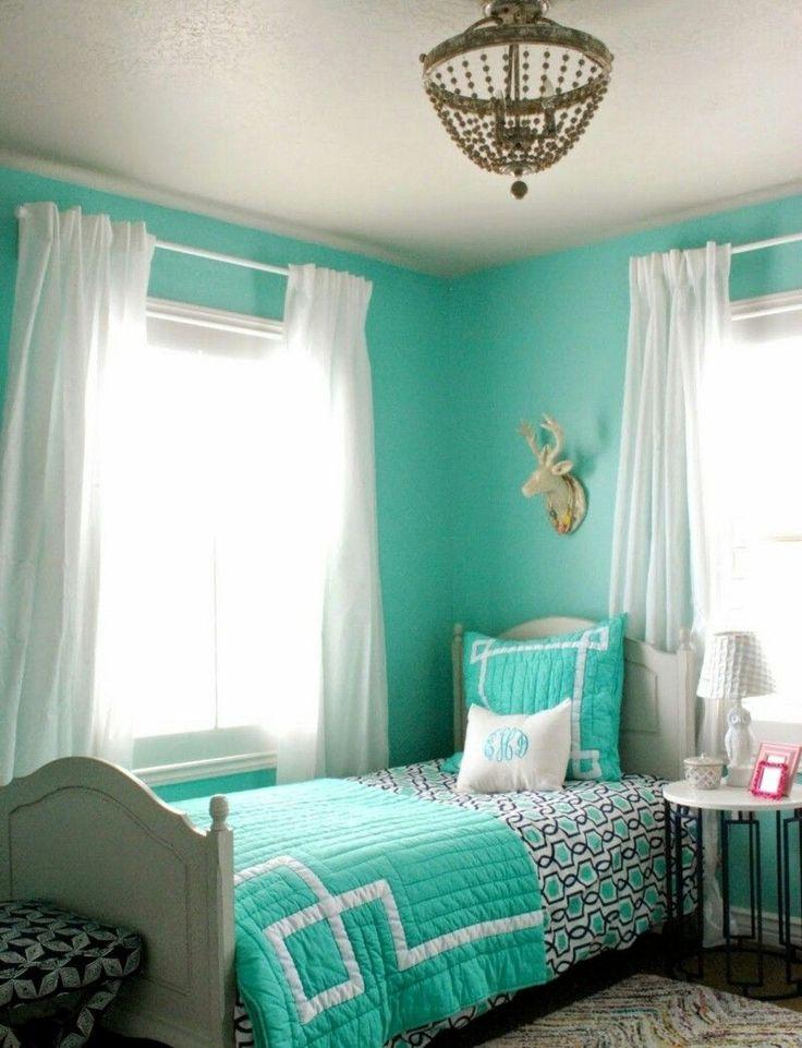 schlafzimmer mit dachschr ge farblich gestalten. Black Bedroom Furniture Sets. Home Design Ideas