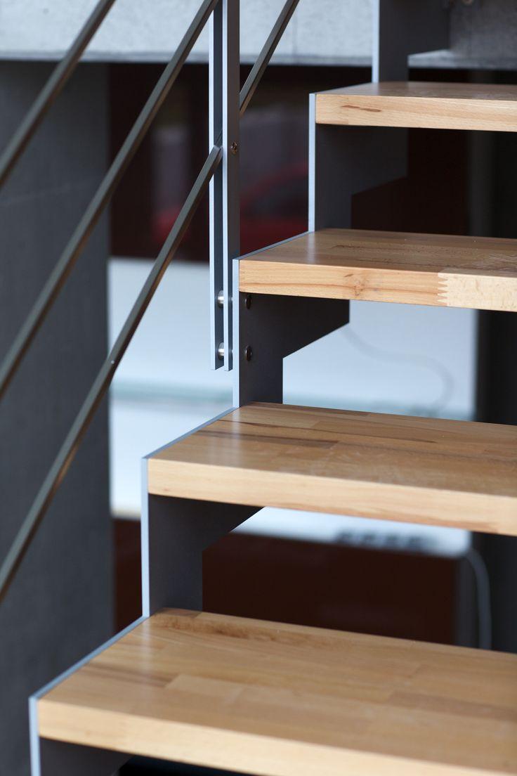 Schodiště - JAP 1000 Laser - bočnicové schodiště v kombinaci ocel - dřevo - nerez #schody#schodiště#stairsdesign#modernarchitecture#design#house#zabradli#novinky