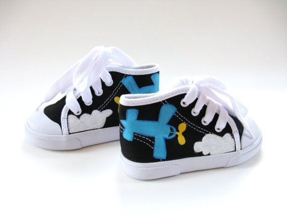Barnskor - Boys Airplane Shoes Hand Painted  Black Hi by boygirlboygirldesign - Hos www.shoelovers.se