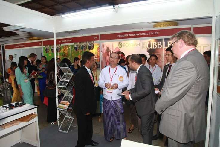 In conversation with the honoured guests at the opening ceremony of Myanmar Food and Hotel 2014! — at Myanmar Convention Center (MCC).