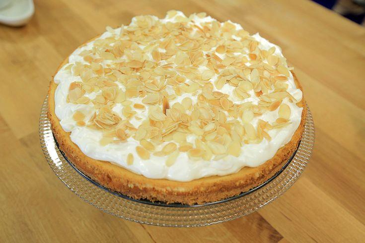 Beyaz Çikolatalı Bademli Cheesecake