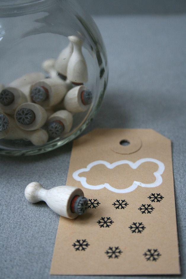 Must Have Weihnachtszeit: Schneeflocken - Stempel / snow flakes, stamp, christmas essentials by perlenfischer via DaWanda.com