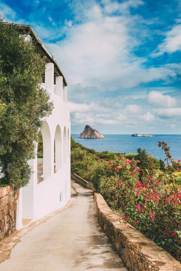 Best Italian Islands You Have To Visit (5) #TravelHelp