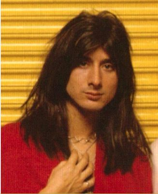 Steve Perry of Journey Stephen Ray Perry was born in Hanford, California, to Portuguese parents. Perry grew up interested in music, as his father, Raymond Perry (Pereira), was a vocalist and co-owner of radio station KNGS .[ https://i.pinimg.com/736x/d9/a8/05/d9a80533417f04e5251a719248661b0a--steve-perry-reunions.jpg