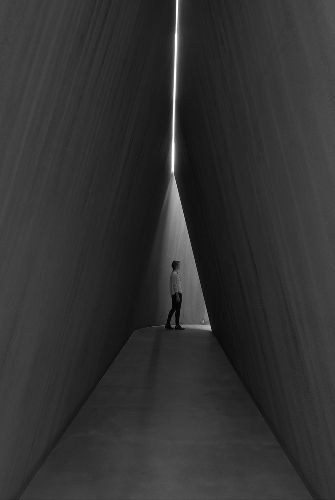 his torqued ellipses. Richard Serra - NJ-2, Rounds: Equal Weight, Unequal Measure, Rotate