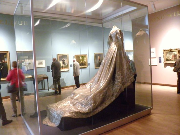 """Court dress, most probably worn by Grand Duchess Xenia Alexandrovna, at the exposition """"Willem II - Kunstkoning"""" in Dordrechts Museum, the Netherlands, april 5, 2014"""