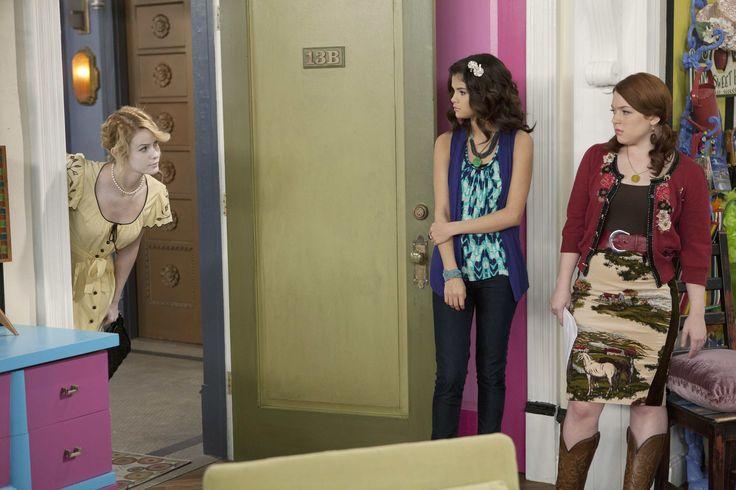 teenidols4you jennifer stone   Jennifer Stone in Wizards of Waverly Place (Season 4) - Picture 22 of ...