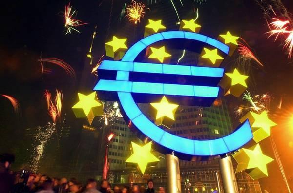 01/01/2012 - Happy 10th Birthday, Euro !