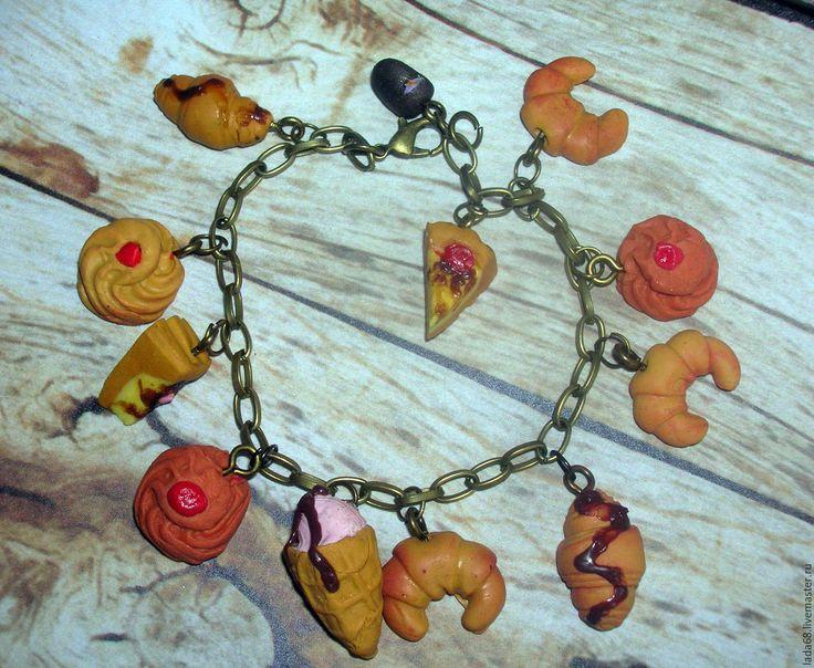 Купить Браслет с пирожными( браслет, украшение на руку) - комбинированный, браслет, Браслет ручной работы