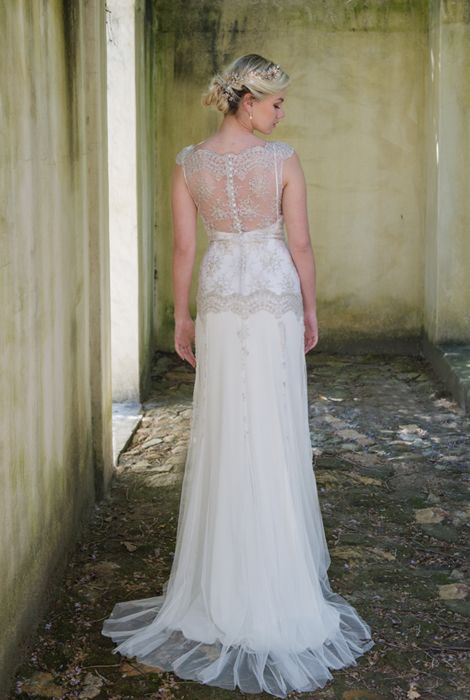 High lace neck with gold beaded overlay (back)