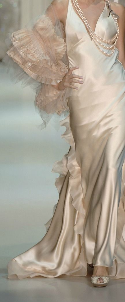Armani Privé - What a beautiful dress for a second marriage!!!