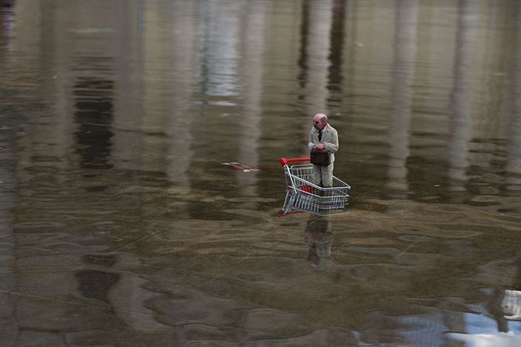 isaac cordal's miniature sculptures - cement eclipses project