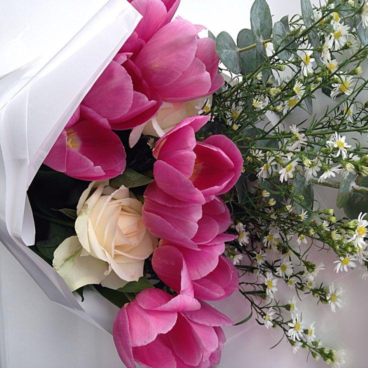 @fleetingbuds pink tulips