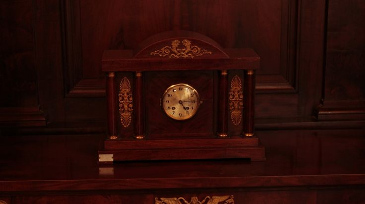 Antigo relógio em exposição no CCBB - Centro Cultural Banco do Brasil, em Belo Horizonte.