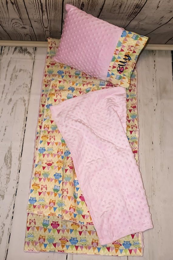 ❤ ️Light Pink Owl Kinder Mat Cover set ❤ Help your toddler feel comfy just like home and get a restful nap at preschool, Mother's Day Out or a sleepover. ❤ About This Product ❤ Each set Includes nap mat cover, blanket and envelope pillow case but does not include the actual kindermat or
