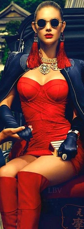 Oh, my heart just skipped a beat as I imagine myself in this sensuous outfit and my admirer taking my gloved hand in his/hers.