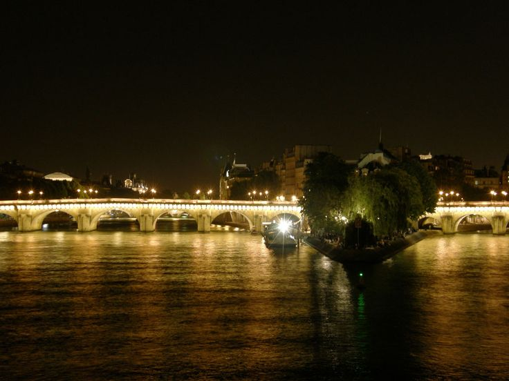 Parigi Francia #Senna #travel #bike