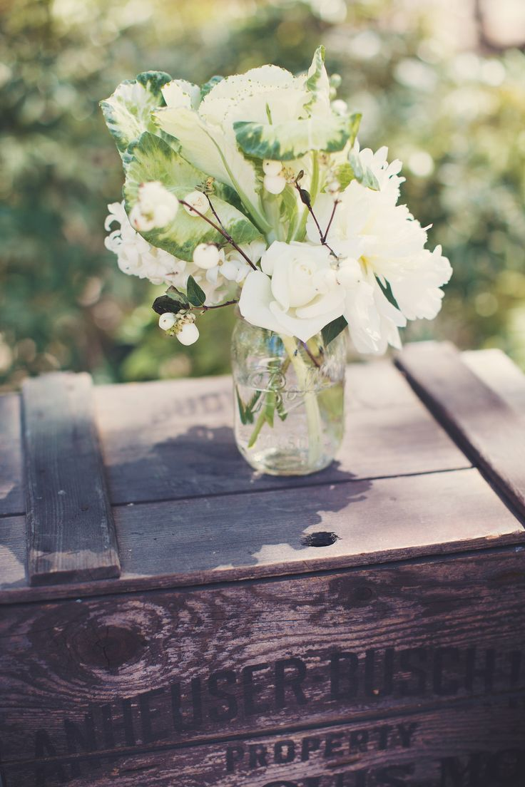 Hagen Flora - Wedding Florals. Camarillo Wedding. McCormick Home Ranch. Wedding Flowers. White and Green Florals.