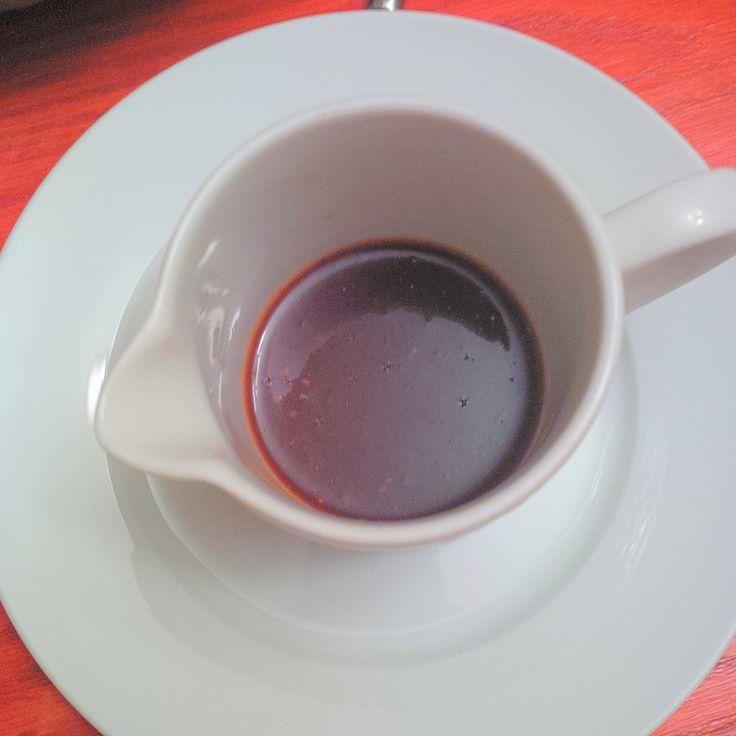 Organic Cranberries Spicy Sauce: 1/2 cup dried organic cranberries, 1/2 cup water, 2 pinches Cayenne pepper. Bring to a boil then mix in a food processor. Serve over meat or veggies.  // Sauce épicée aux canneberges atokas bios : 1/2 tasse de canneberges bios ou airelles rouges, 1/2 tasse d'eau, 2 pincées de poudre de Cayenne. Amener le tout à ébullition et passer au robot mixeur. #ABCuisine