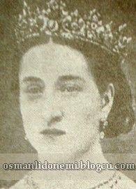 Osmanlı Hanedan Fotoğrafları Abdulhamid II - KIZKARDEŞİ Fatma Sultan