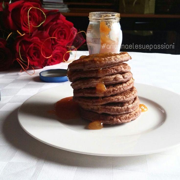 Pancake proteici con marmellata