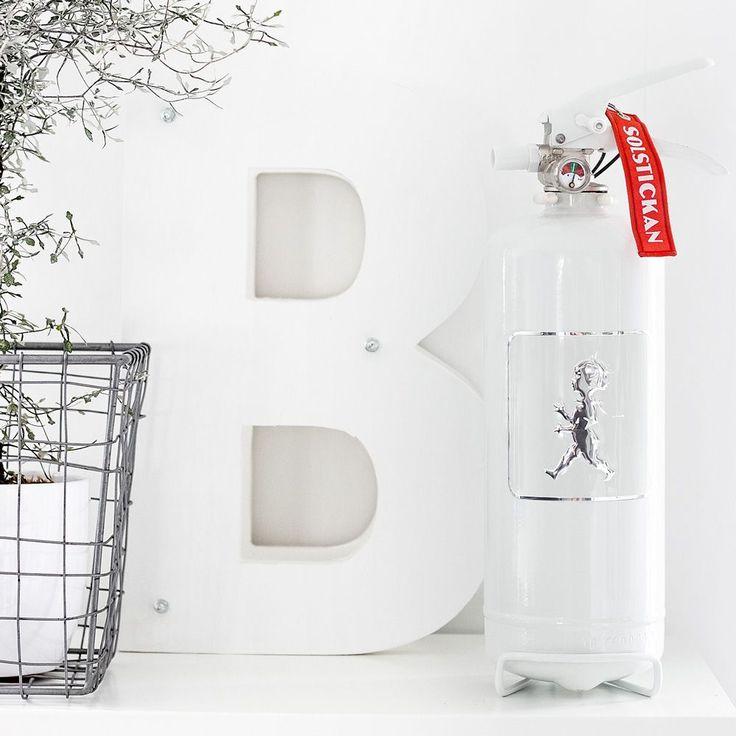 BRANDSLÄCKARE – VIT/VIT | Solstickan Design – Modern och folklig design med hög kvalitet inom hem och inredning.