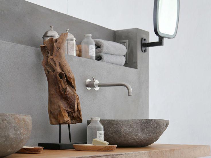 Plan de vasque, sol, mur, douche ou baignoire : l'effet béton apporte une touche sophistiquée à la salle de bains qu'elle soit décorée dans unstyle desig
