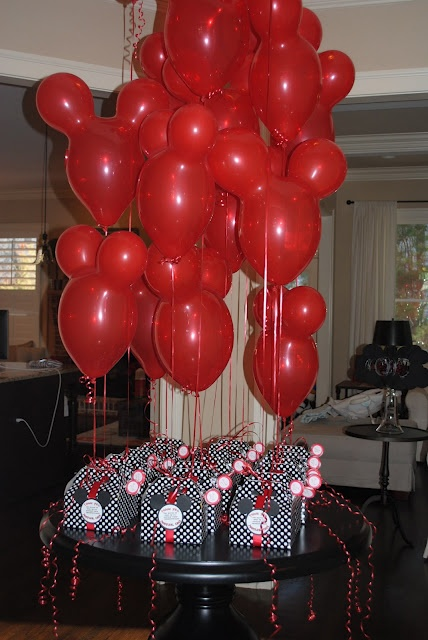 Chic.Home.Baby: Mickey Mouse Birthday Party