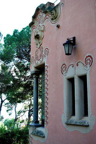 10 Parque Güell Casa-Museo Gaudí 04 13195 - Parque Güell (Park Güell) Calle Olot, Monte del Carmel, Barcelona  Arquitecto: Antoni Gaudí con la colaboración de Josep Maria Jujol, Francesc Berenguer, Joan Rubió y Llorenç Matamala.