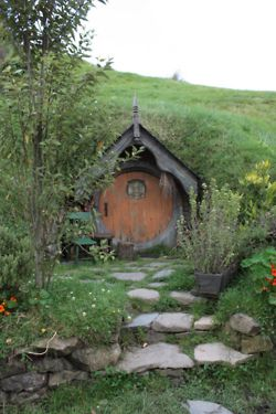 Hobbit hole :)...I dream of living here...safe and cozy