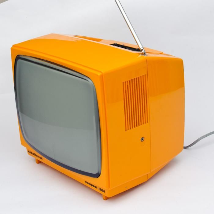 Tragbarer Fernseher 70erfrom ELVIS NEVER LEFT THE BUILDING, Karlsruhe, Deutschland