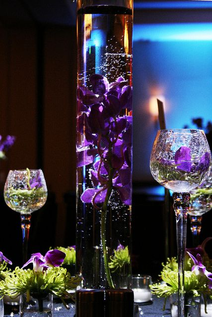 I like the purple flowers within the clear vase like here/ Daevid's Of…
