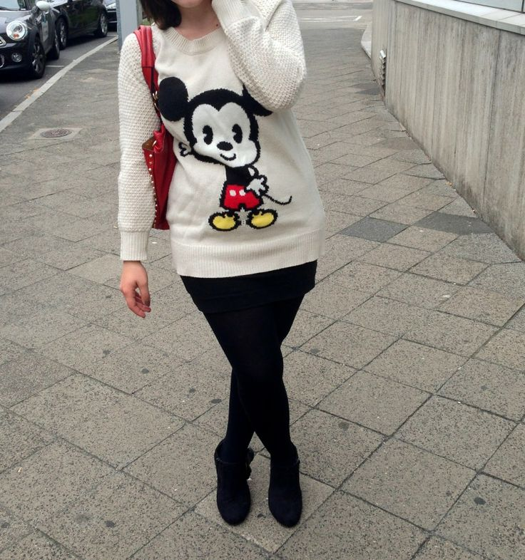 h&m mickey mouse hands sweater