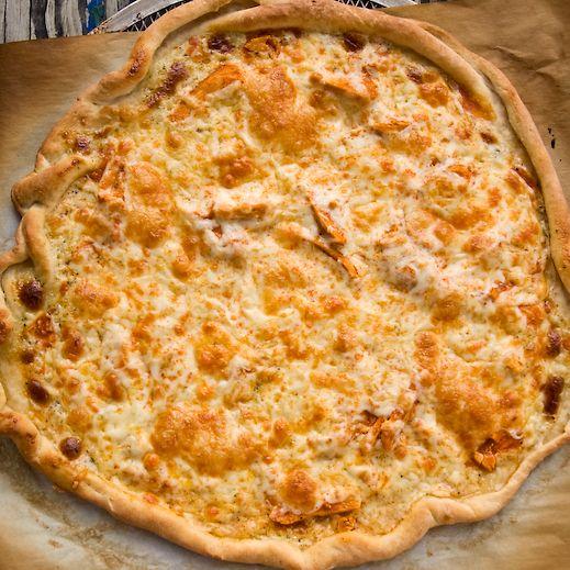 Buffalo Chicken PizzaPizza Yummy, Yummy Food, Buffalo Chicken Pizza, Buffalo Ranch Shredded Chicken, Buffalo Pizza, Pizza Yummm, Favorite Recipe, Nom Nom, Buffalo Chicken