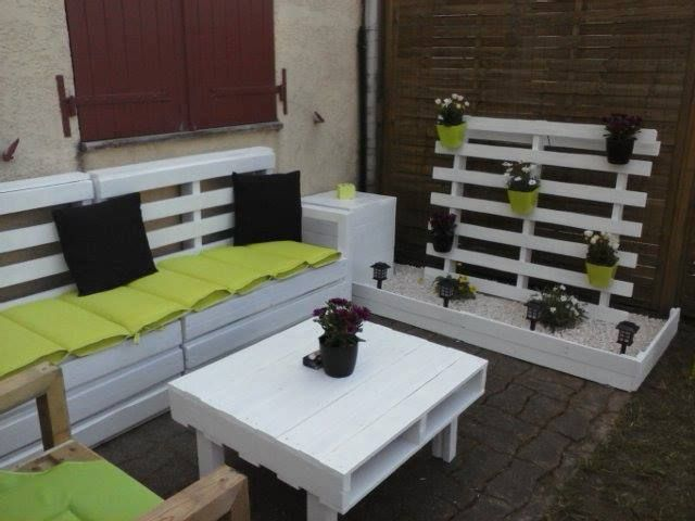 7 best images about salon de jardin on pinterest gardens outdoor and pallet lounge. Black Bedroom Furniture Sets. Home Design Ideas