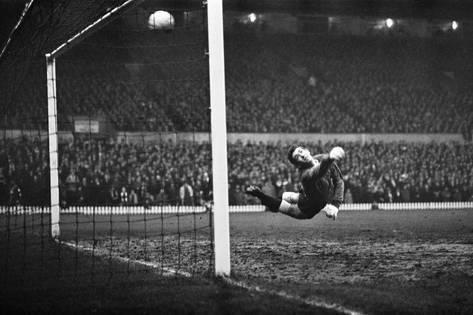 Manchester United 5-1 Tottenham Hotspur, Dec 1965, Bobby Charlton opens the scoring