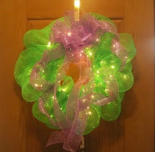 How to for lighted mesh wreath