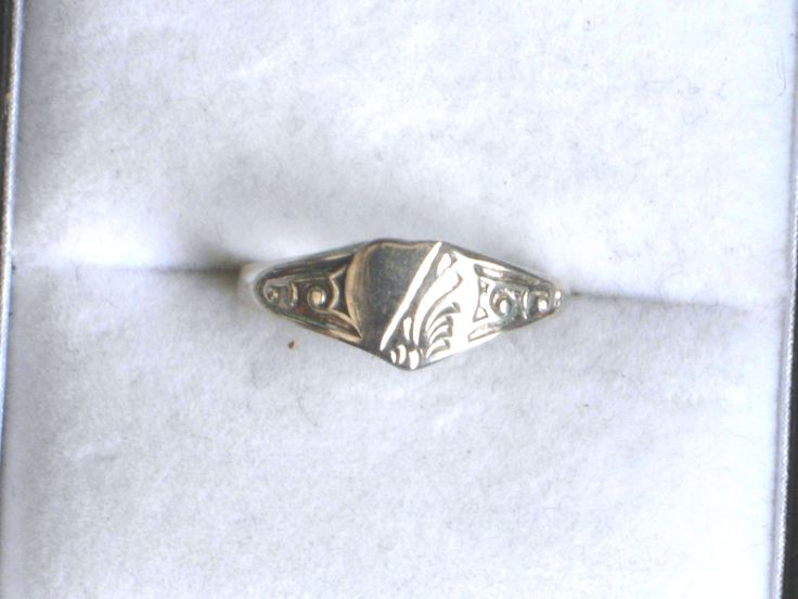 Vintage sterling silver ring, heart shaped signet ring, vintage silver jewellery, UK size K US 5 1/8 by vintagesilverlynx on Etsy
