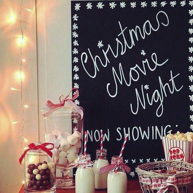 Happy Friday everyone!   Tonight we are watching some of our favourite Christmas movies!   #christmasvacation #griswold #elf #grinch #whoville #christmasmovies #popcorn #popcorn #hotchocolate #movienight #christmastime #flatlay #flatlays #flatlayapp www.flat-lay.com