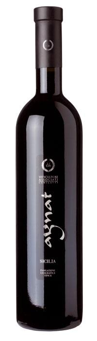 Aynat - Viticultori Associati    un vino emozionante e carnoso, esemplare espressione dell'uva simbolo del rinascimento enologico siciliano, potente ed elegante, bellissimo ed aggraziato, di classe superiore.