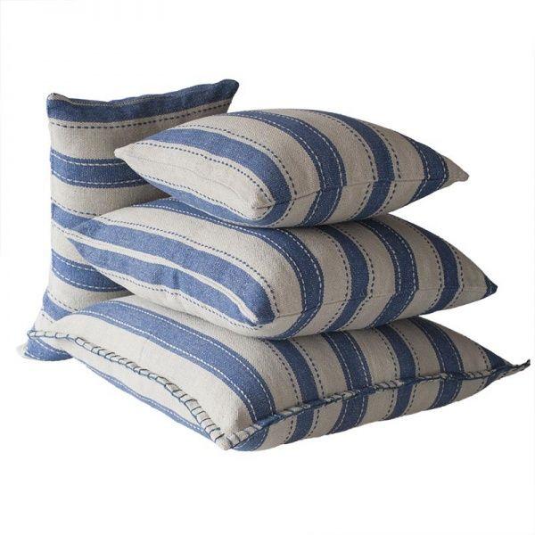 Riihiraita tyynynpäällinen, siniset