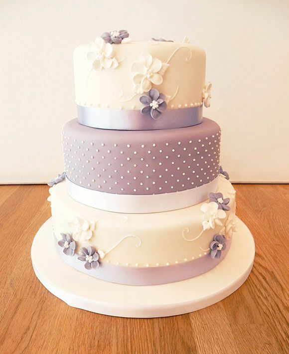 Wedding Cakes Celebration Cakes Cupcakes The most important cake of your life… Delight with a tower of butter icing cupcakes or wow with a more traditional tiered design made from moist sponge or a rich fruitcake, or even a combination of both. The Cakery's wedding cakes look as good as they taste and the design …