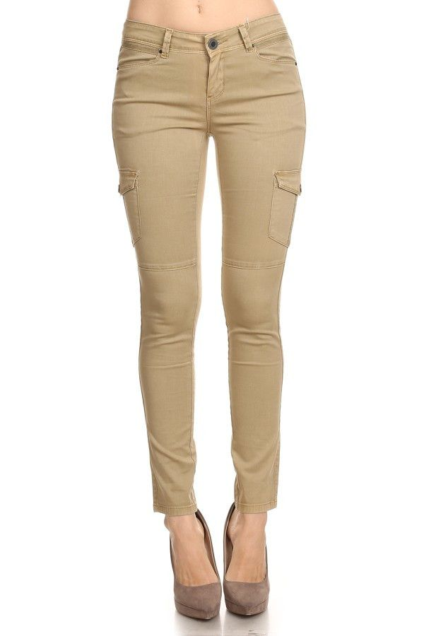 Callie has a slim-Fitting style with buttoned closure and a high waist.