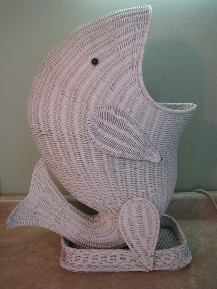 Large WHITE WICKER HAMPER/TRASH BASKET Whale/Fish Vintage ...