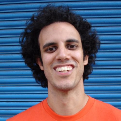 Four Tet Words & Music - With a mammoth US tour kicking off this week I thought it an ideal time to upload Kieran's recent visit to the basement. I was playing his Fridge tracks on DAT way back in the Kiss FM days and so it's great to still be working with him on our Steve Reid Foundation project which raised 11k at Phonox the other night!  Tracklist Percussions  KHLHI Fridge  Anglepoised Fridge  Kinoshita (Go Beat Records) Art Ensemble Of Chicago - Theme De Yoyo Echoes Feat. Bundy K. Brown…