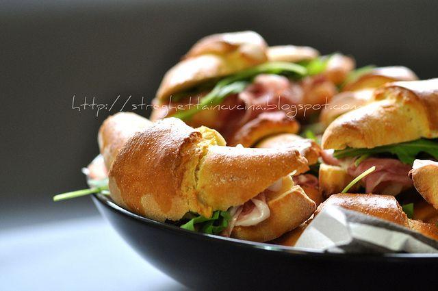 cornetti veloci allo yogurt con crudo e rucola by streghettaincucina      #recipe #juliesoissons