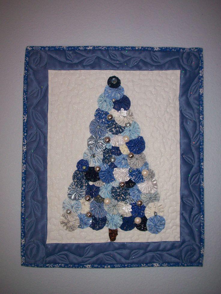 Yo yo Christmas tree! Someone BEAT ME to my idea!  LOVE IT!!